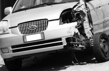 car-wrecked-845143_640
